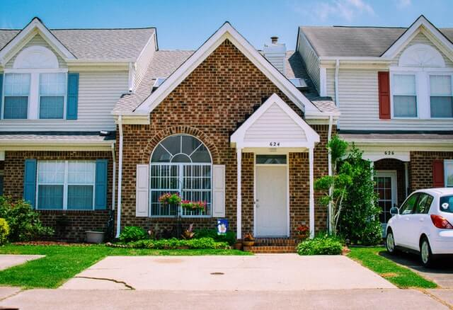6 Reasons to Pressure Wash Before Putting Your Home on the Market